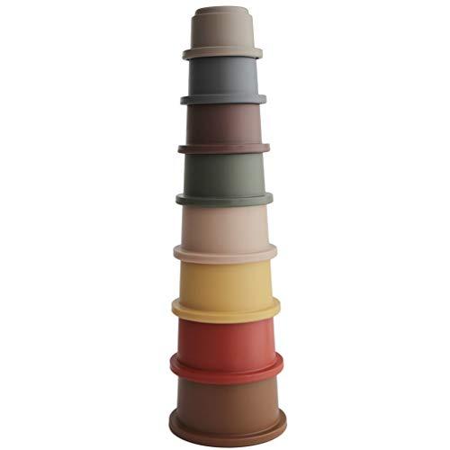 Stapelturm mit 8 BPA-freien Kunststoffbechern