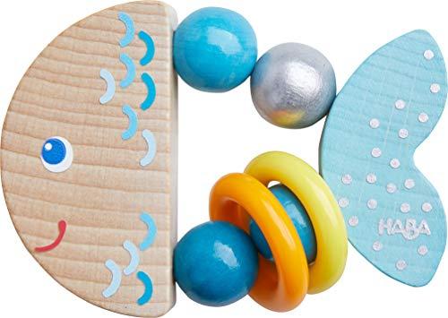 HABA 305582 - Greifling Klapperfisch, Babyspielzeug aus Holz für Kinder ab 6 Monaten in Fischform zur Förderung der Feinmotorik und Wahrnehmung, Greifring in blau für Babys mit Klapper-Effekt