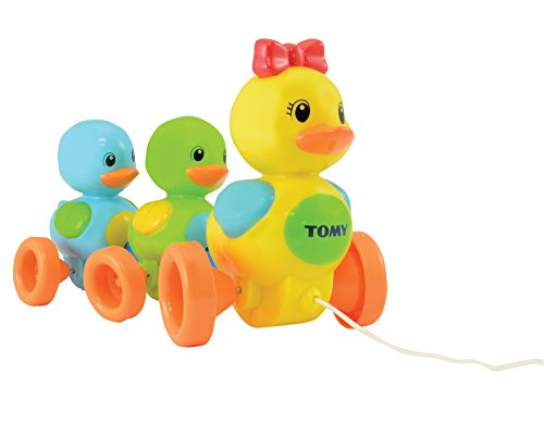 TOMY Babyspielzeug 'Entenfamilie' mit Soundeffekt – Hochwertiges Nachziehspielzeug mit farbenfrohem Design zum Krabbeln und Laufenlernen, motiviert zur Bewegung, Ab 10 Monaten für Mädchen und Jungen