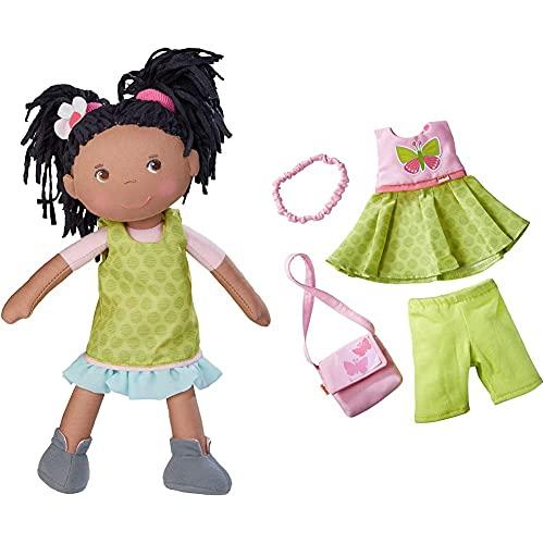 HABA 304576 - Puppe Cari, 30 cm, Weich- und Stoffpuppe, ab 18 Monaten & 304253 - Kleiderset Schmetterling, Set aus Kleid, Hose, Handtasche und Haarband, ab 18 Monaten