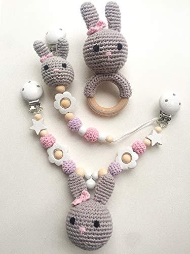 Set aus Schnullerkette, Kinderwagenkette und Rassel für Babys, mit gehäkelten Perlen/Figuren – Geschenk zur Geburt oder Taufe (Hase)