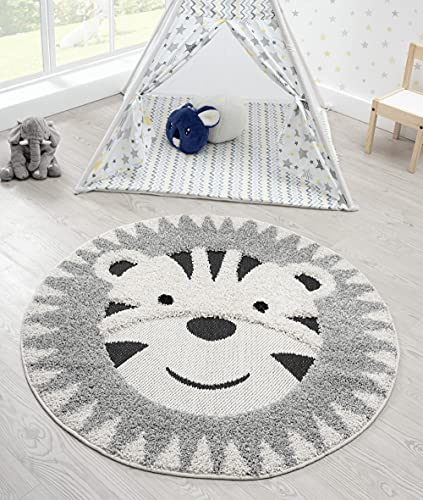 the carpet Lou Weicher Kuscheliger Kinderteppich, Weicher Kuschel-Flor, Pflegeleicht, Farbecht, Outdoor, 3D Optik, Löwen Motiv, Grau-Beige, 120 cm Rund